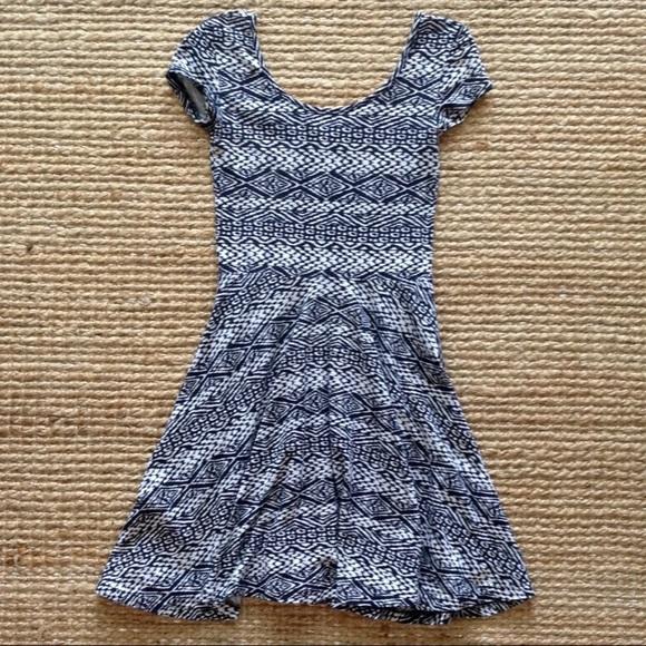 Aeropostale Dresses & Skirts - Aeropostale Black White Tribal Print Skater Dress